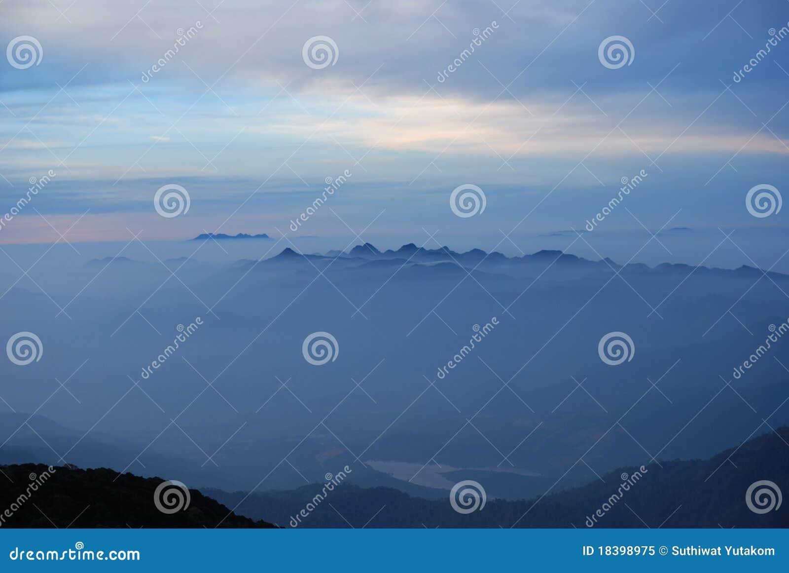 восход солнца утра тумана chiangmai тропический
