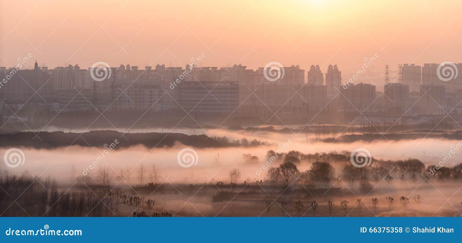 Восход солнца в Шанхае, Китае