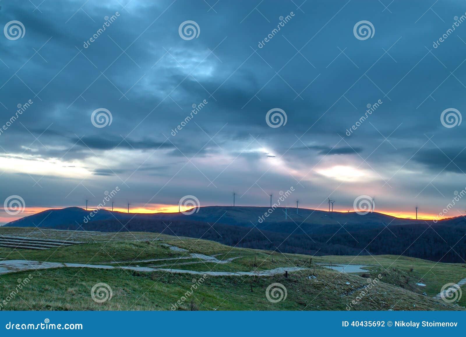 Восход солнца от Buzludzha