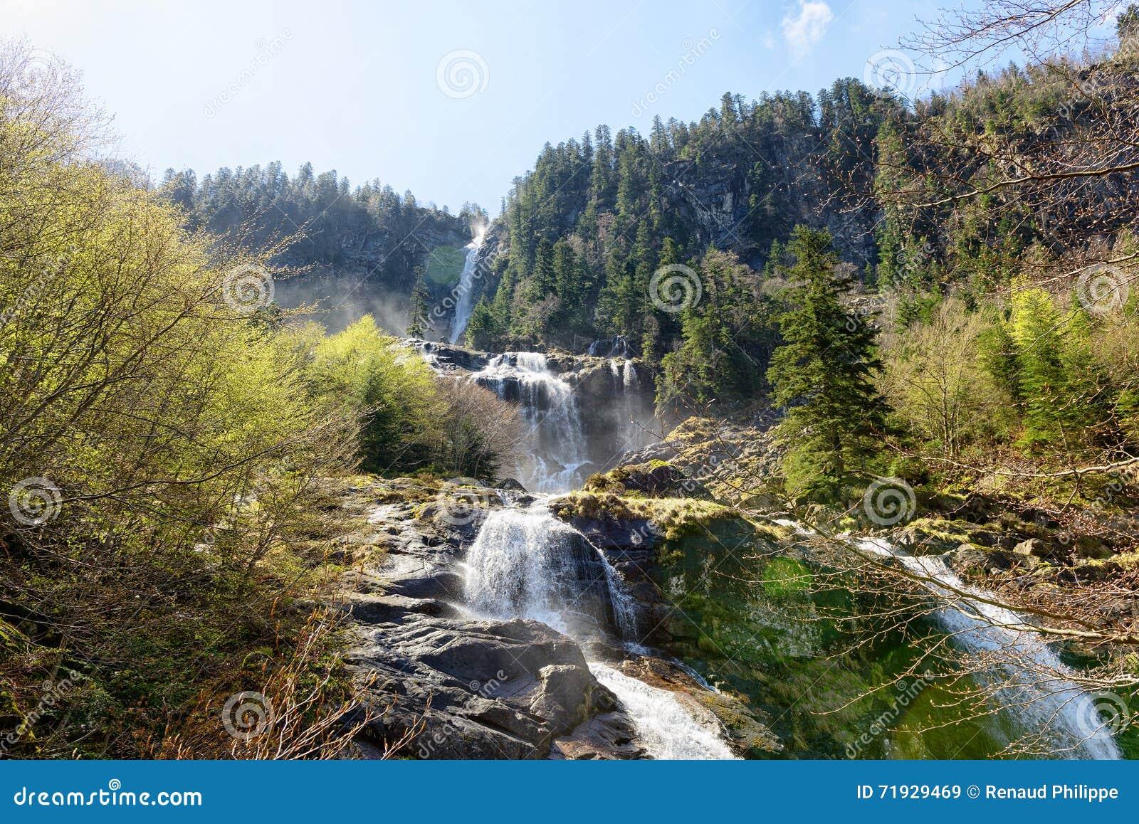 Водопад в Пиренеи в Франции