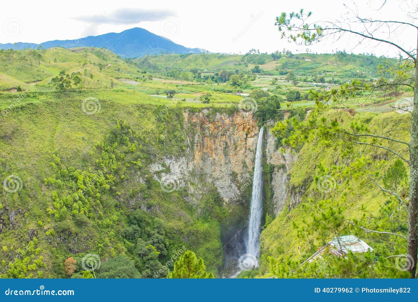 Водопады Sipisopiso