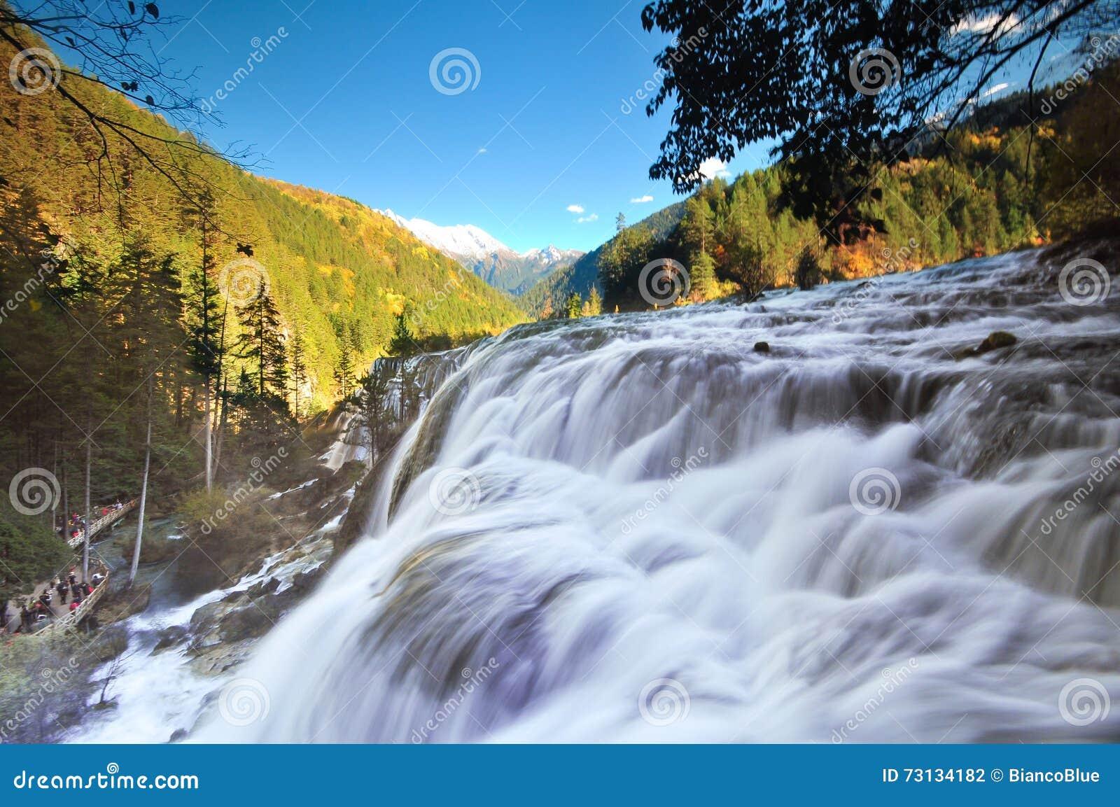 Водопад Jiuzhaigou