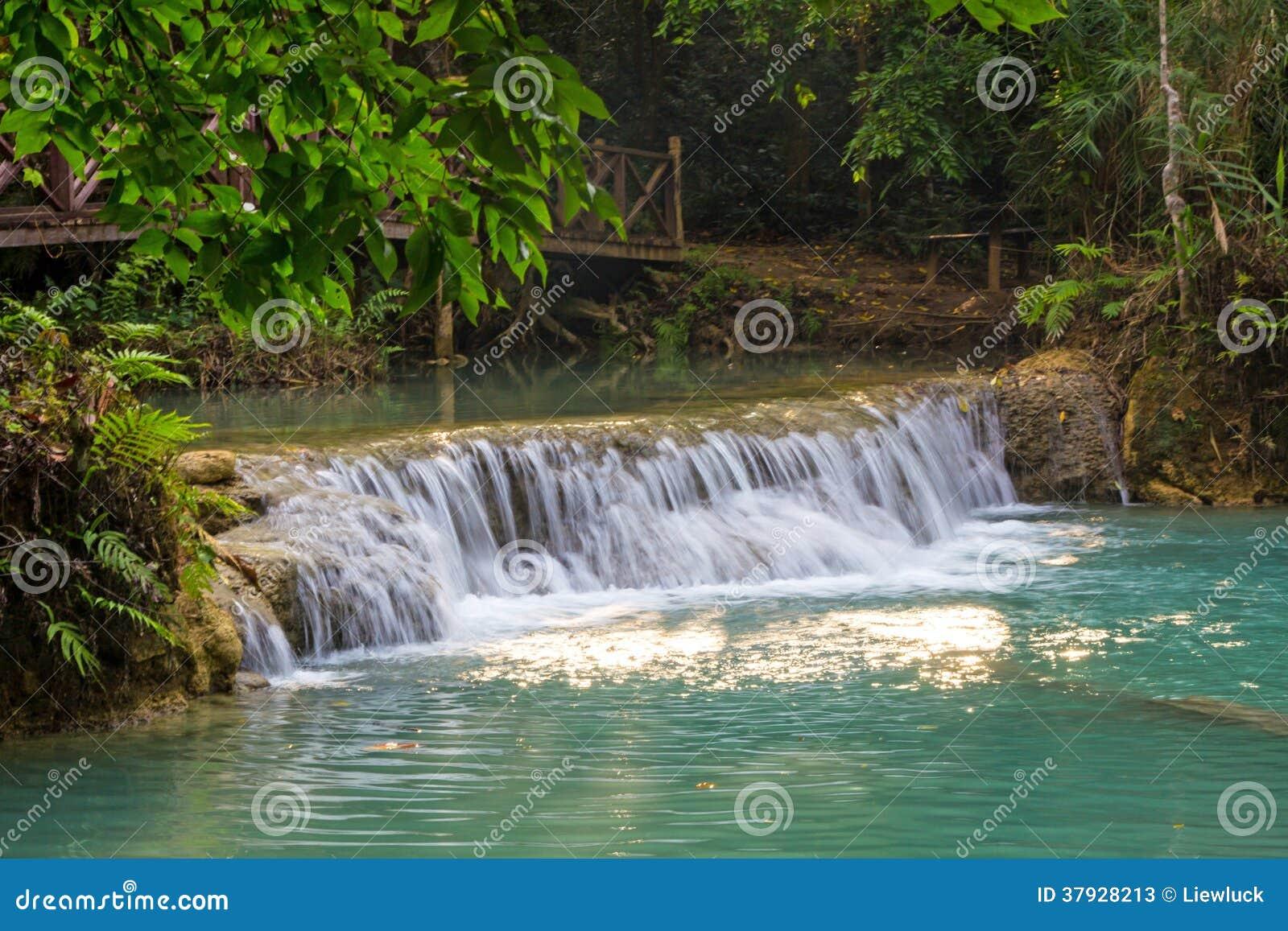 Водопад Kuang Si