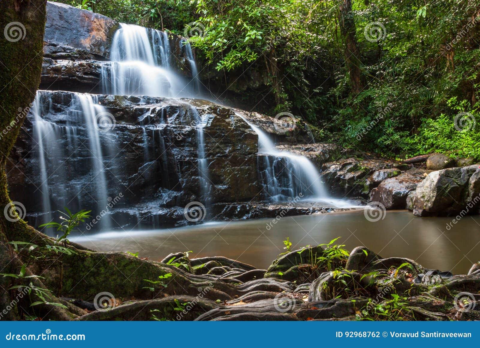 Водопад Sri Da угрызения
