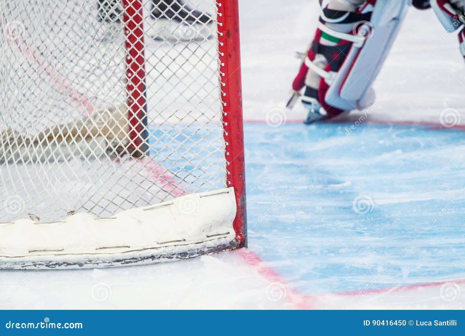 Вратарь хоккея на льде во время игры