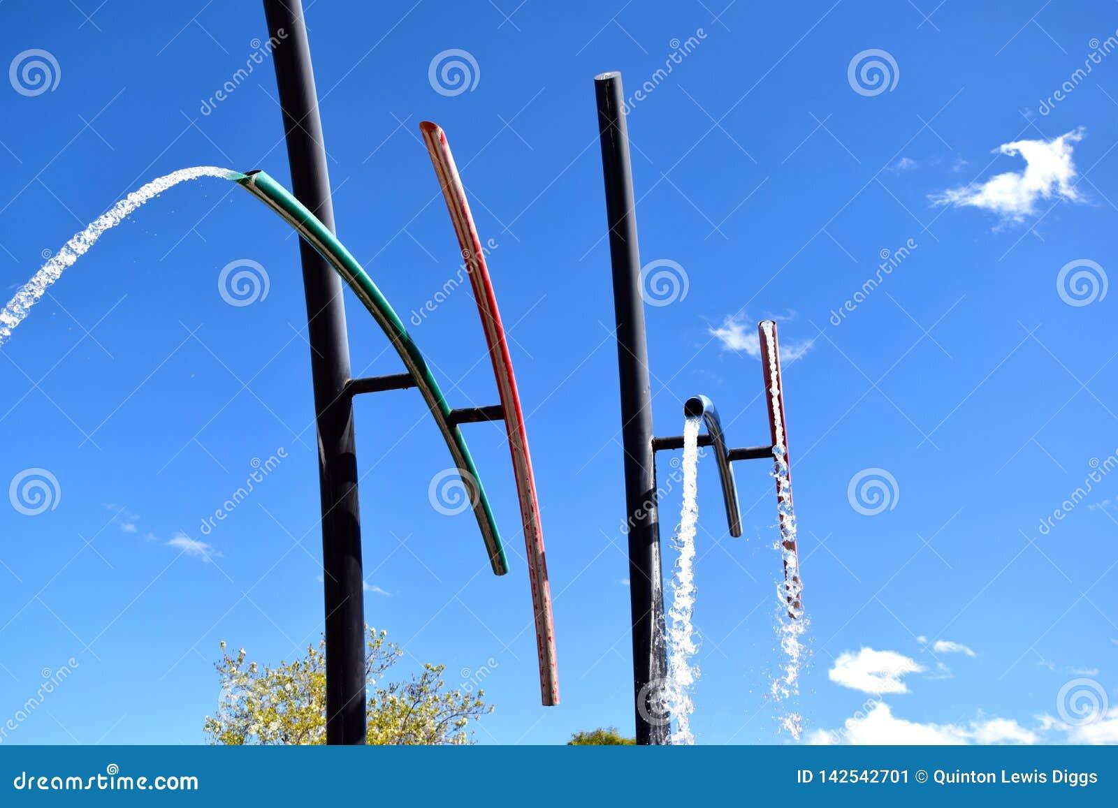 Вращая фонтан трубки
