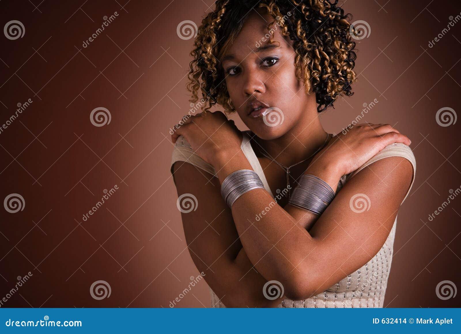 Download вскользь женщина стоковое фото. изображение насчитывающей четверть - 632414