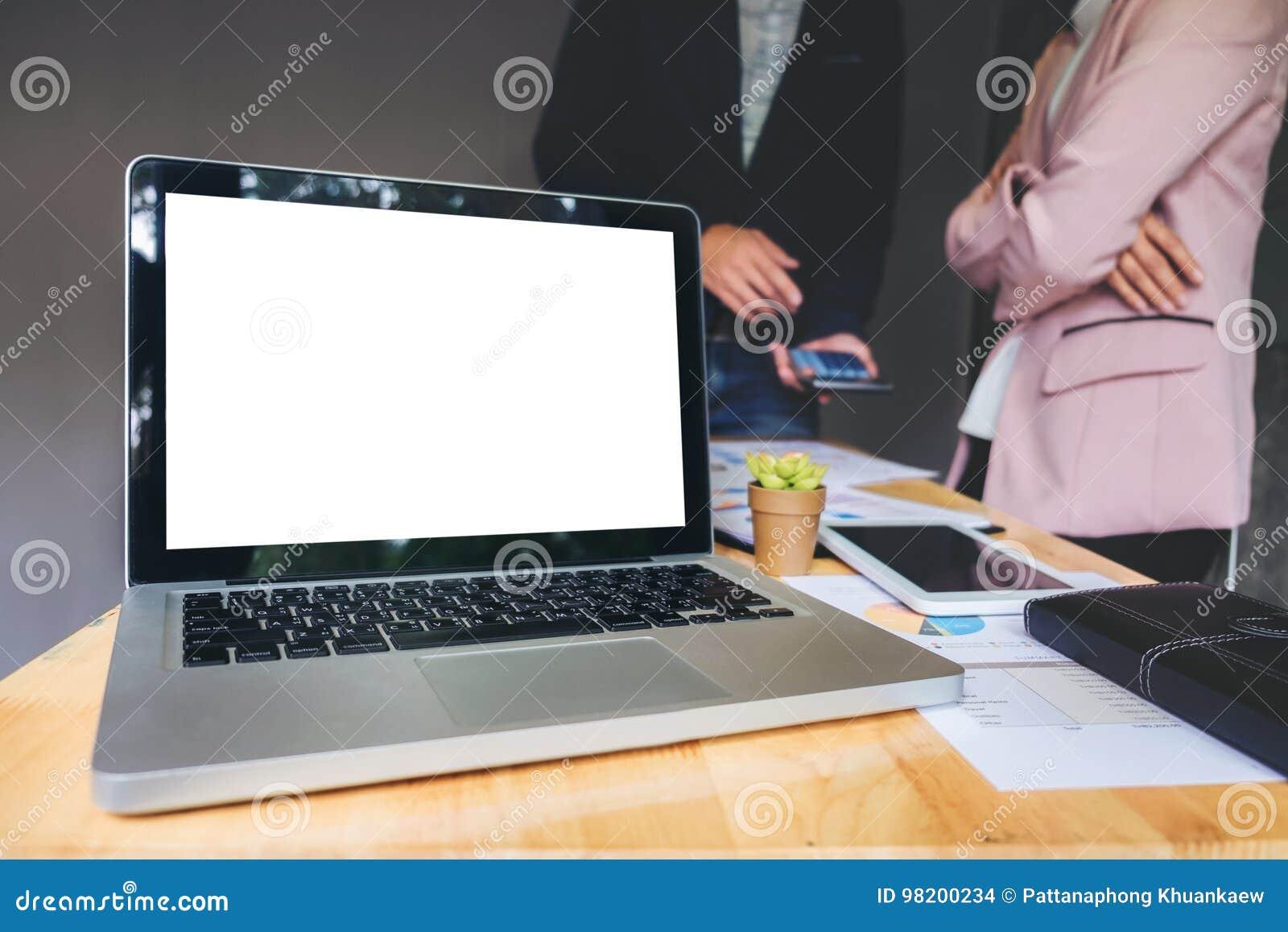 Download Встреча команды дела работая с новым Startup проектом, Discussi Стоковое Фото - изображение насчитывающей встреча, финансы: 98200234