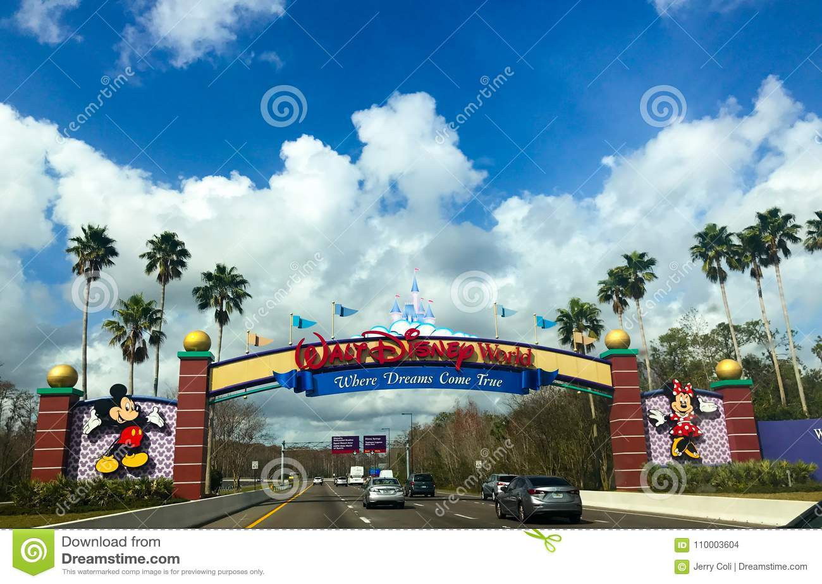 Входя в мир Уолт Дисней в Орландо, Флориде