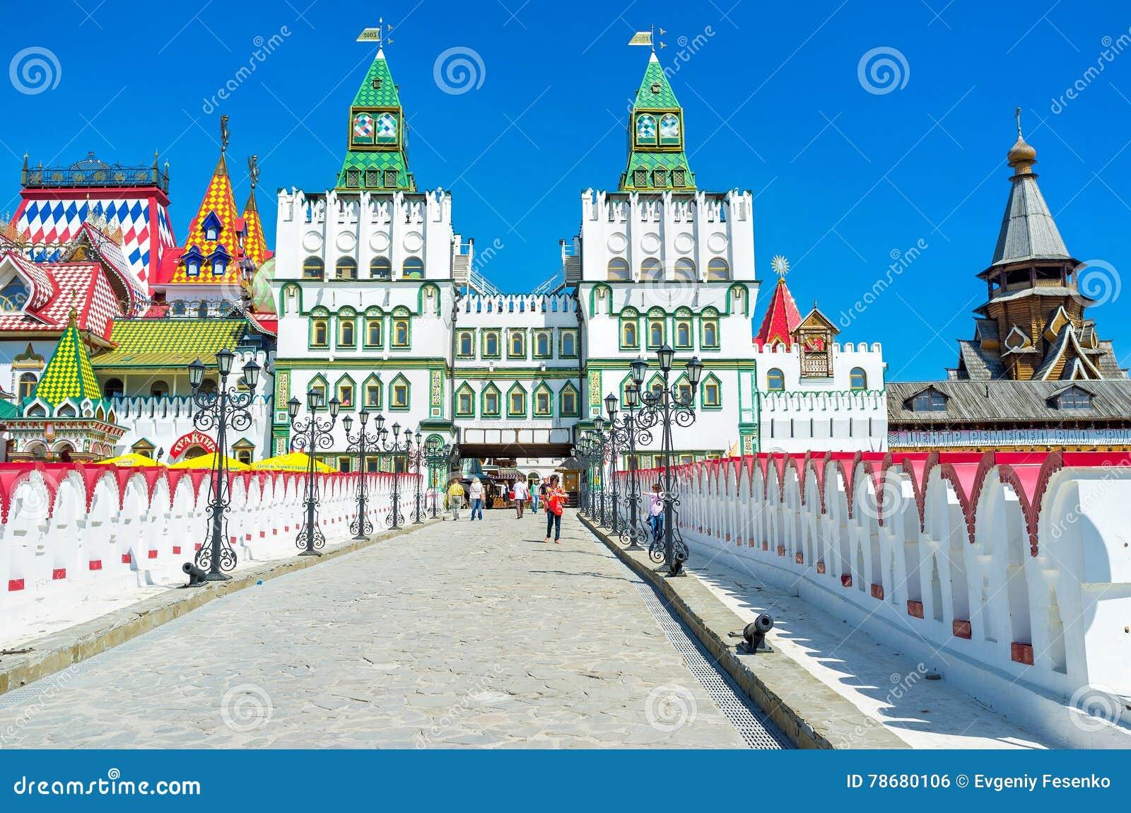 Вход к Izmailovsky Кремлю