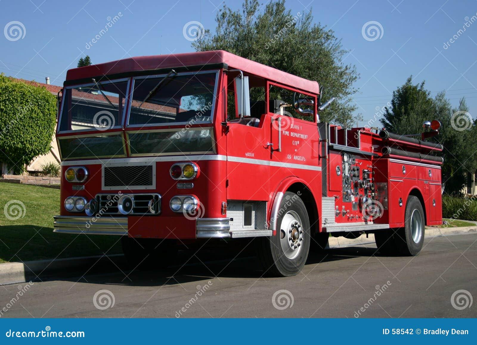 выбытый firetruck
