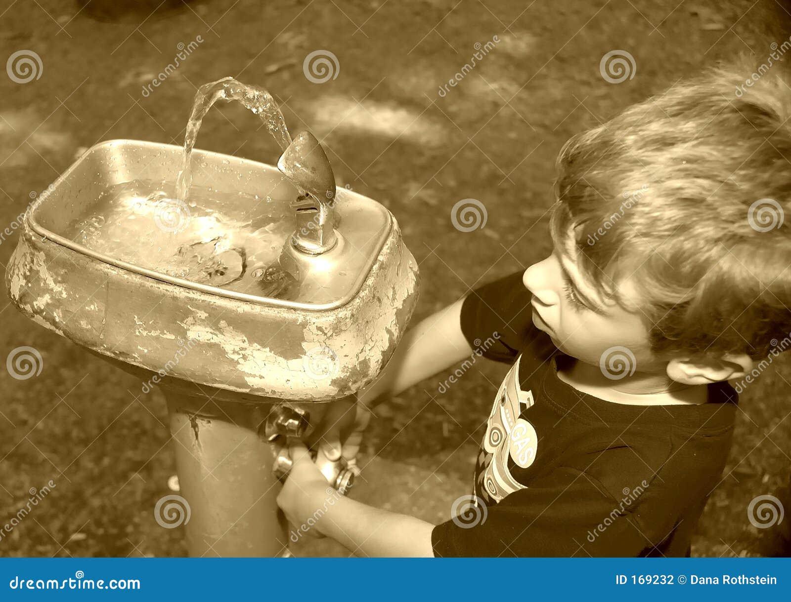 выпивая фонтан