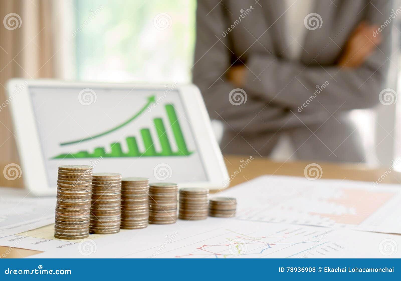 Вырастите вверх стог монеток с делом и профинансируйте экран диаграммы