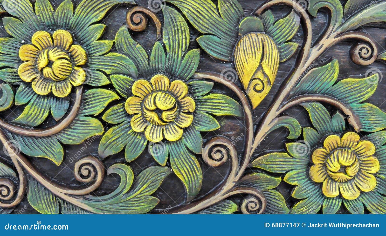 Высекаенный винтажный цветочный узор стиля на деревянной текстуре предпосылки для материала мебели