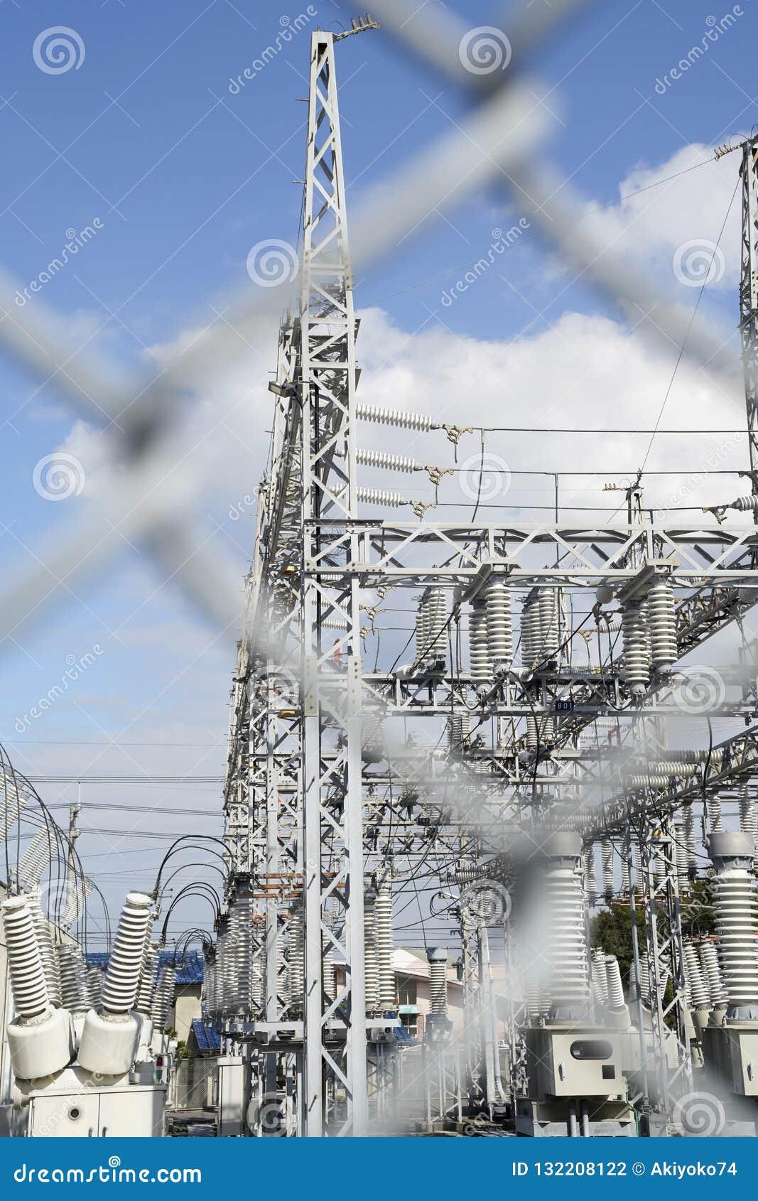 высокое напряжение тока подстанции части