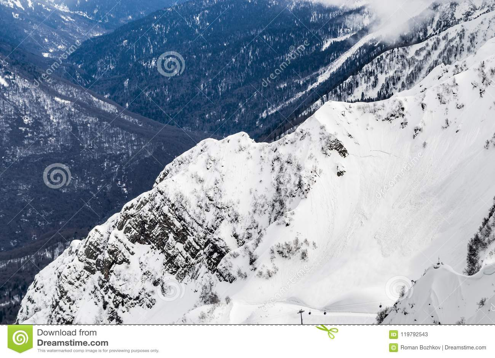 Высота 2320 Сочи России горной цепи Snowy