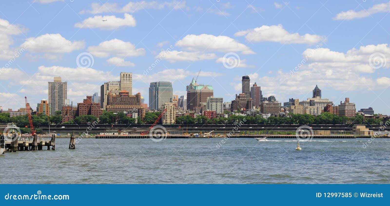высоты New York города brooklyn