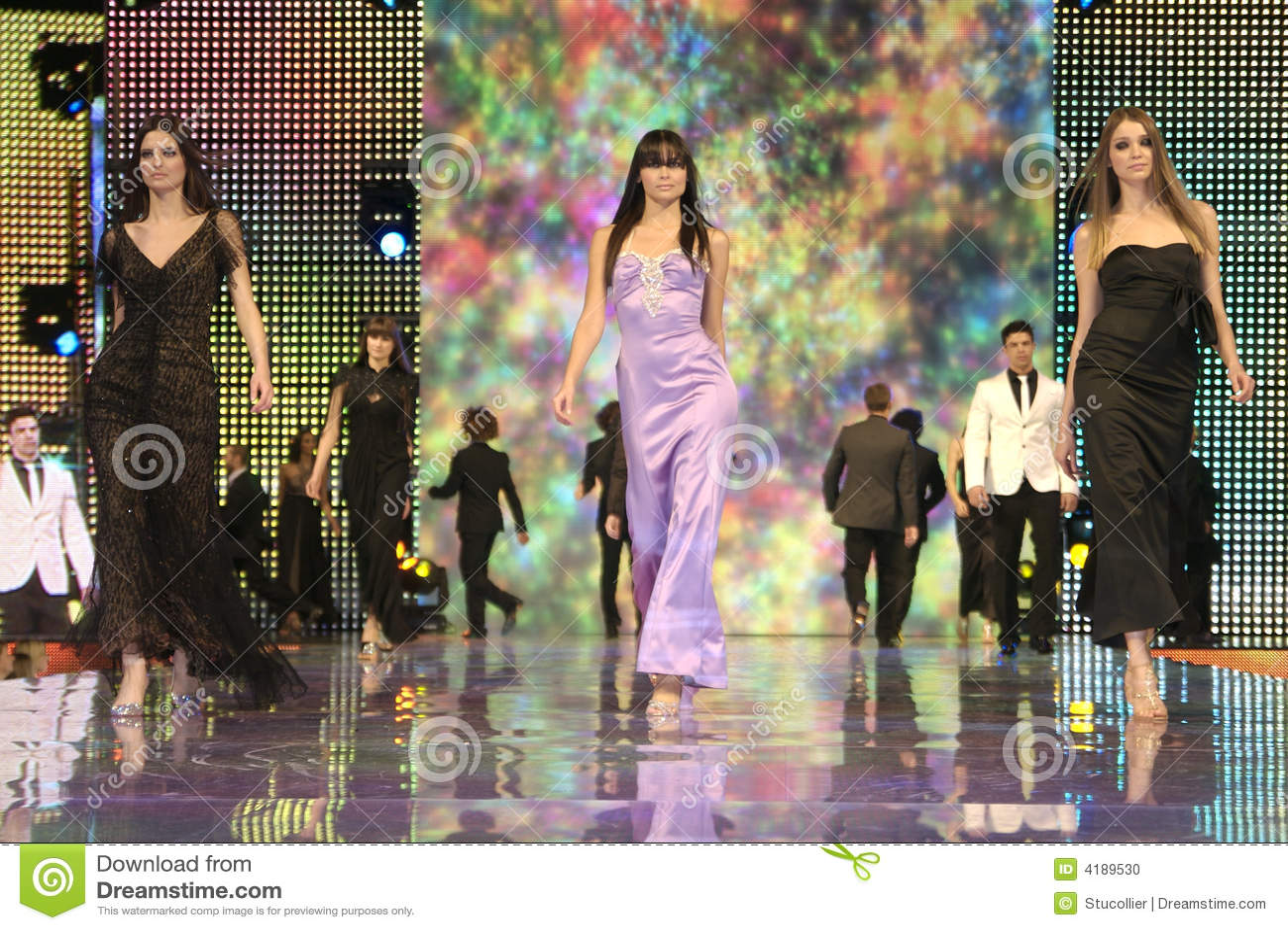 выставка одежд