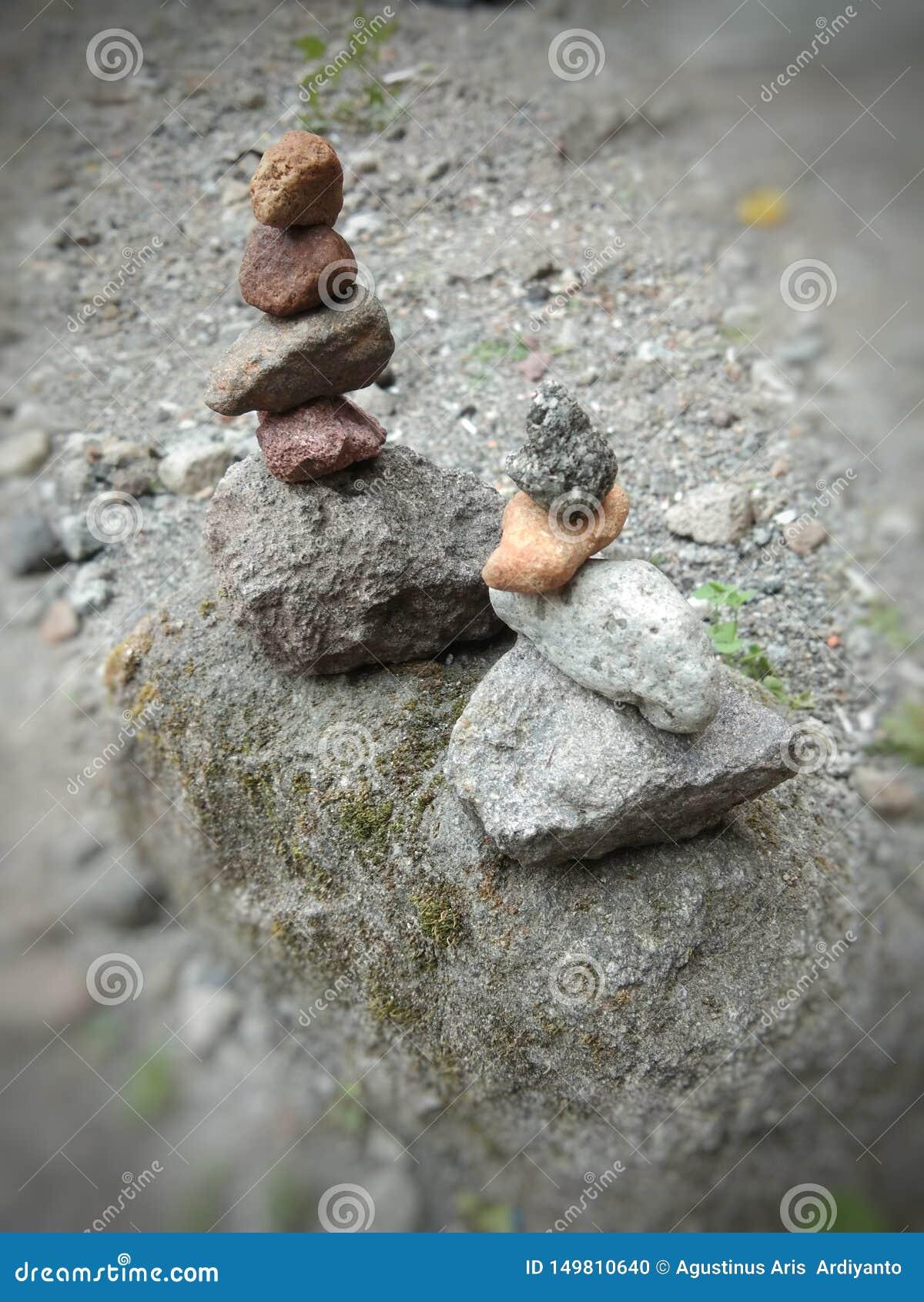 Выучите искусство штабелировать камни