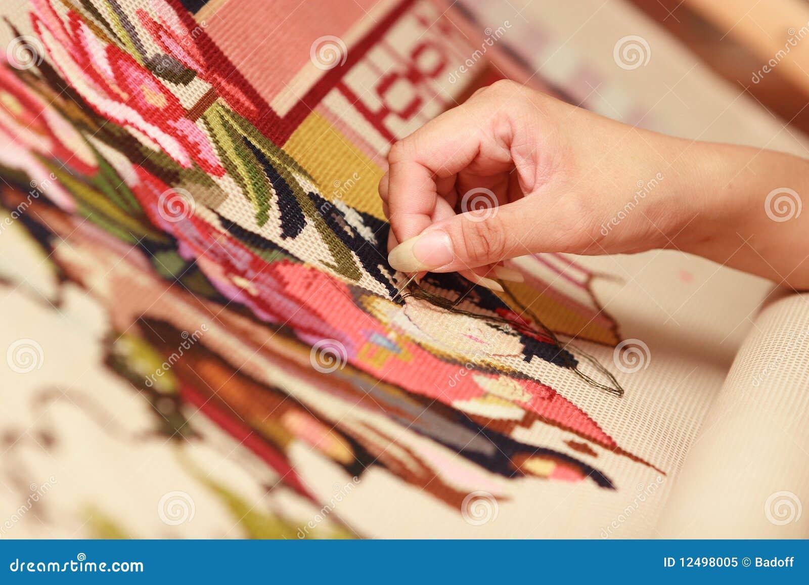 Виды вышивки ручной крестом, гладью, бисером и лентами