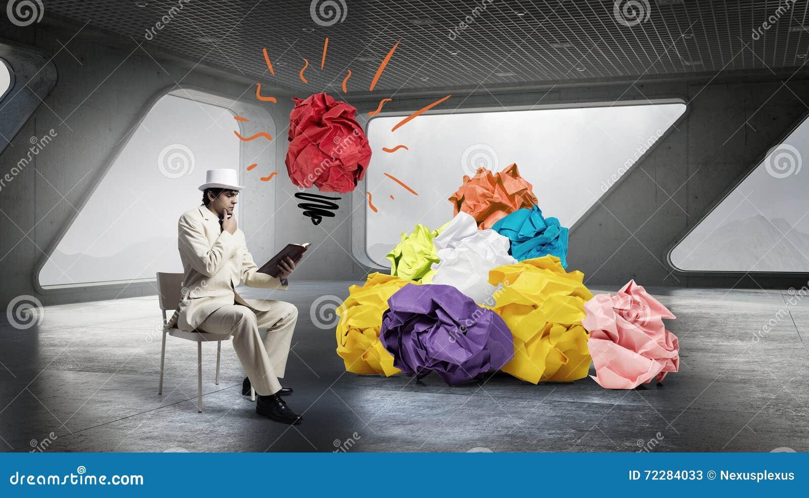 Download В поисках хорошей идеи стоковое изображение. изображение насчитывающей идея - 72284033