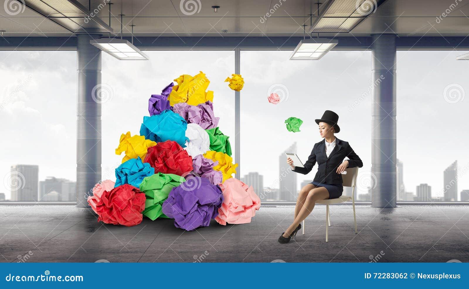 Download В поисках хороших идеи и воодушевленности Стоковое Фото - изображение насчитывающей brainwaves, нажим: 72283062