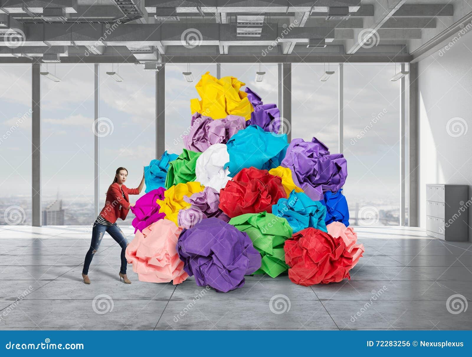 Download В поисках хороших идеи и воодушевленности Стоковое Фото - изображение насчитывающей разрешение, план: 72283256