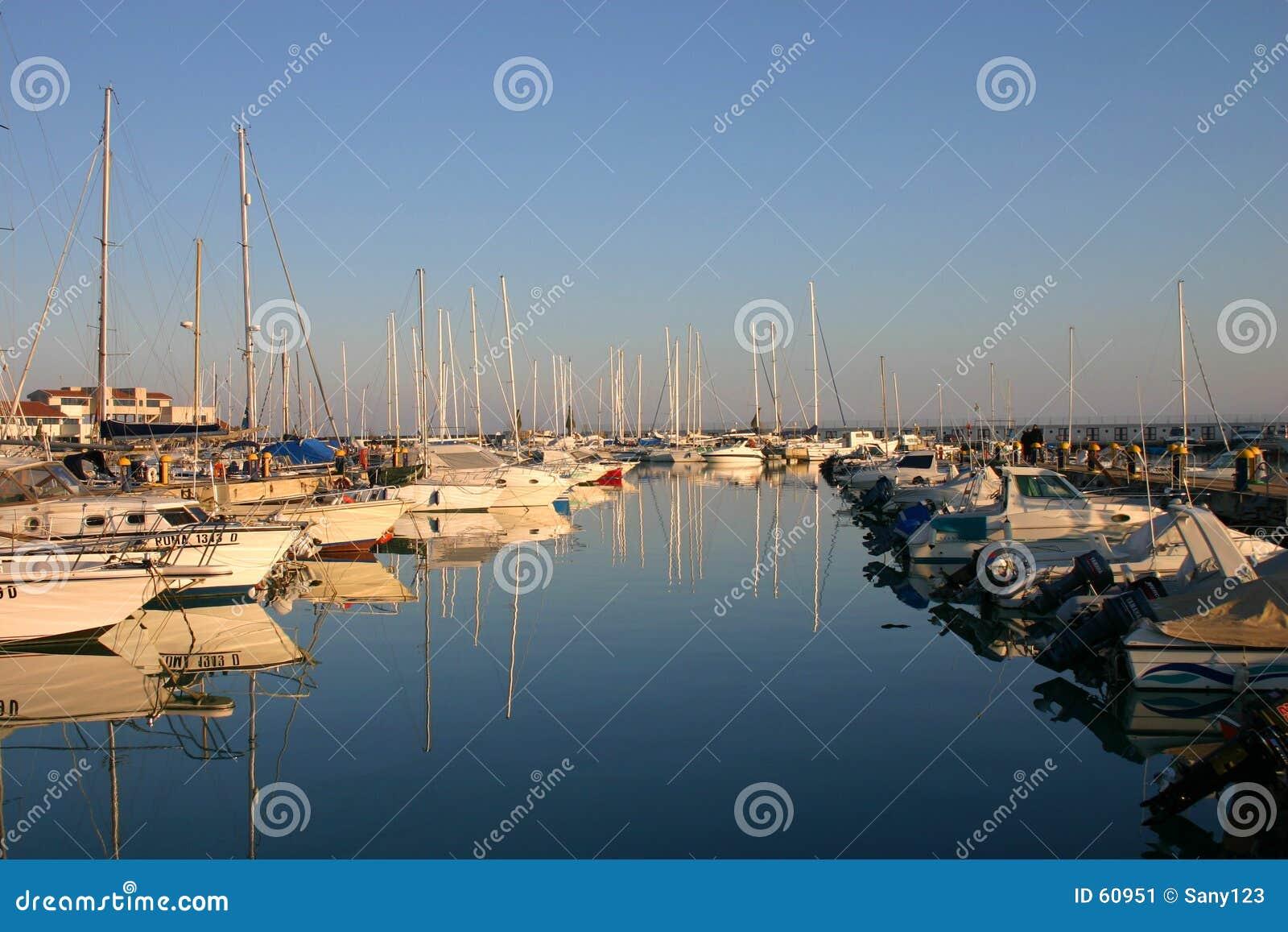 гаван яхта