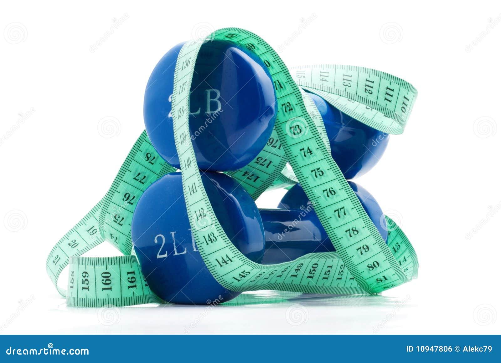гантели измеряют ленту