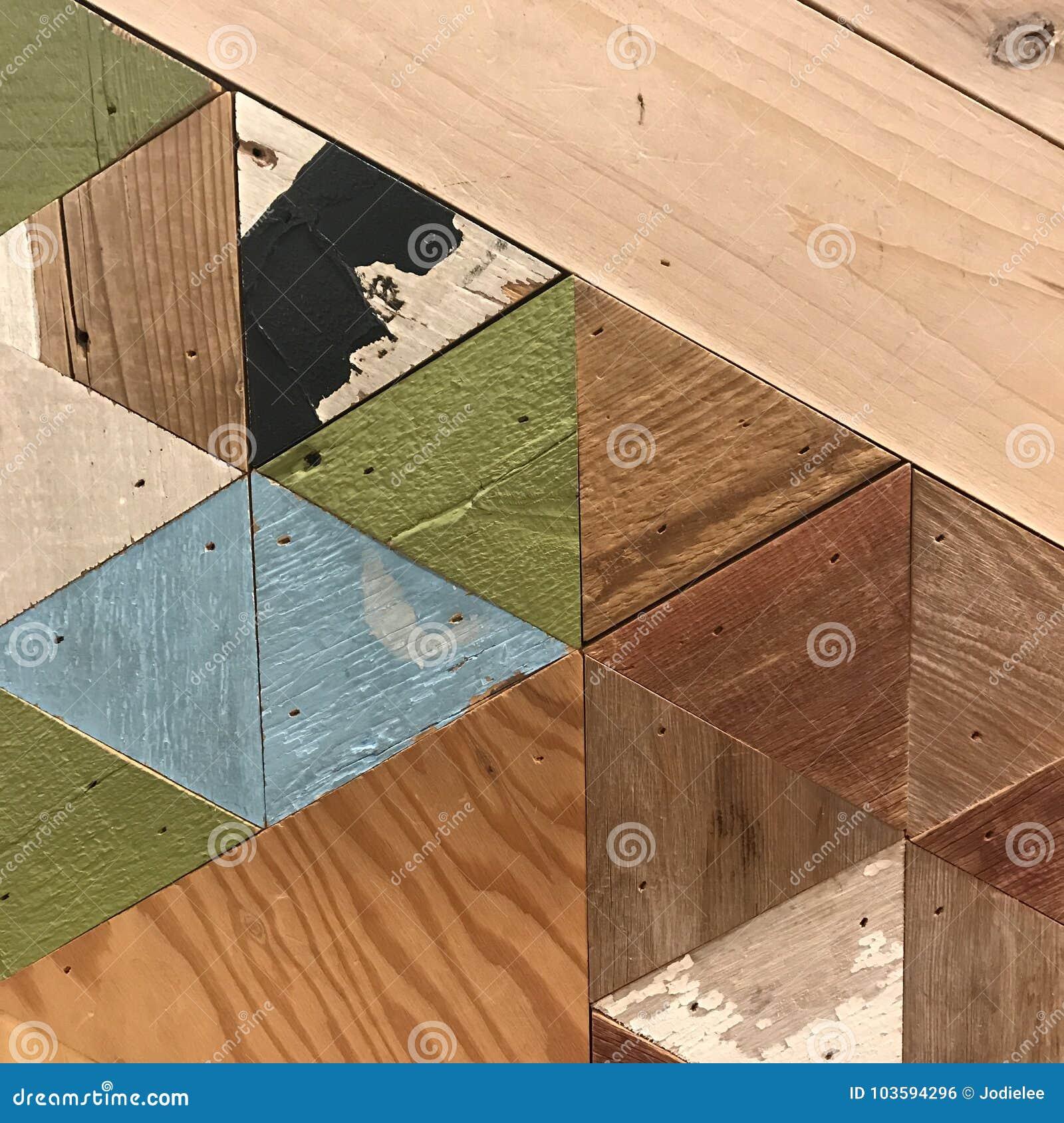 Геометрическая деревянная картина