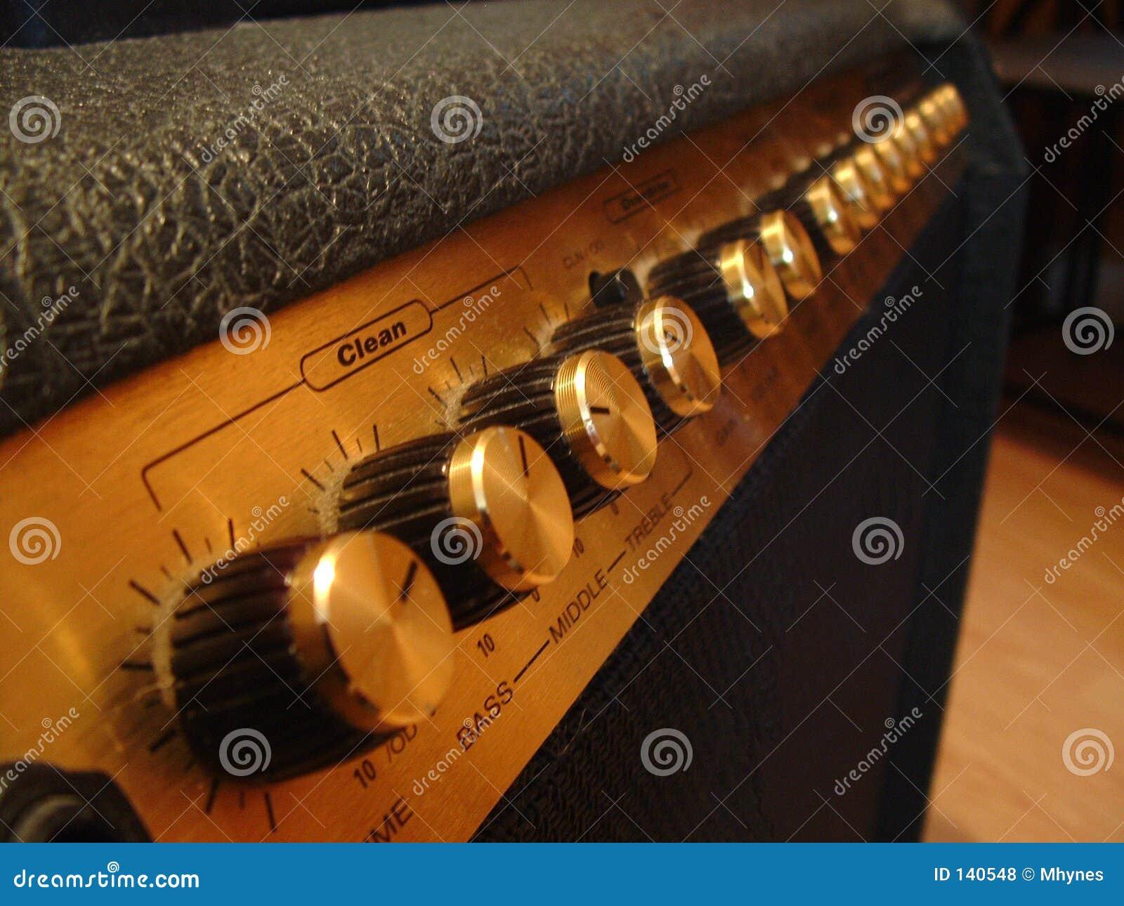 гитара усилителя