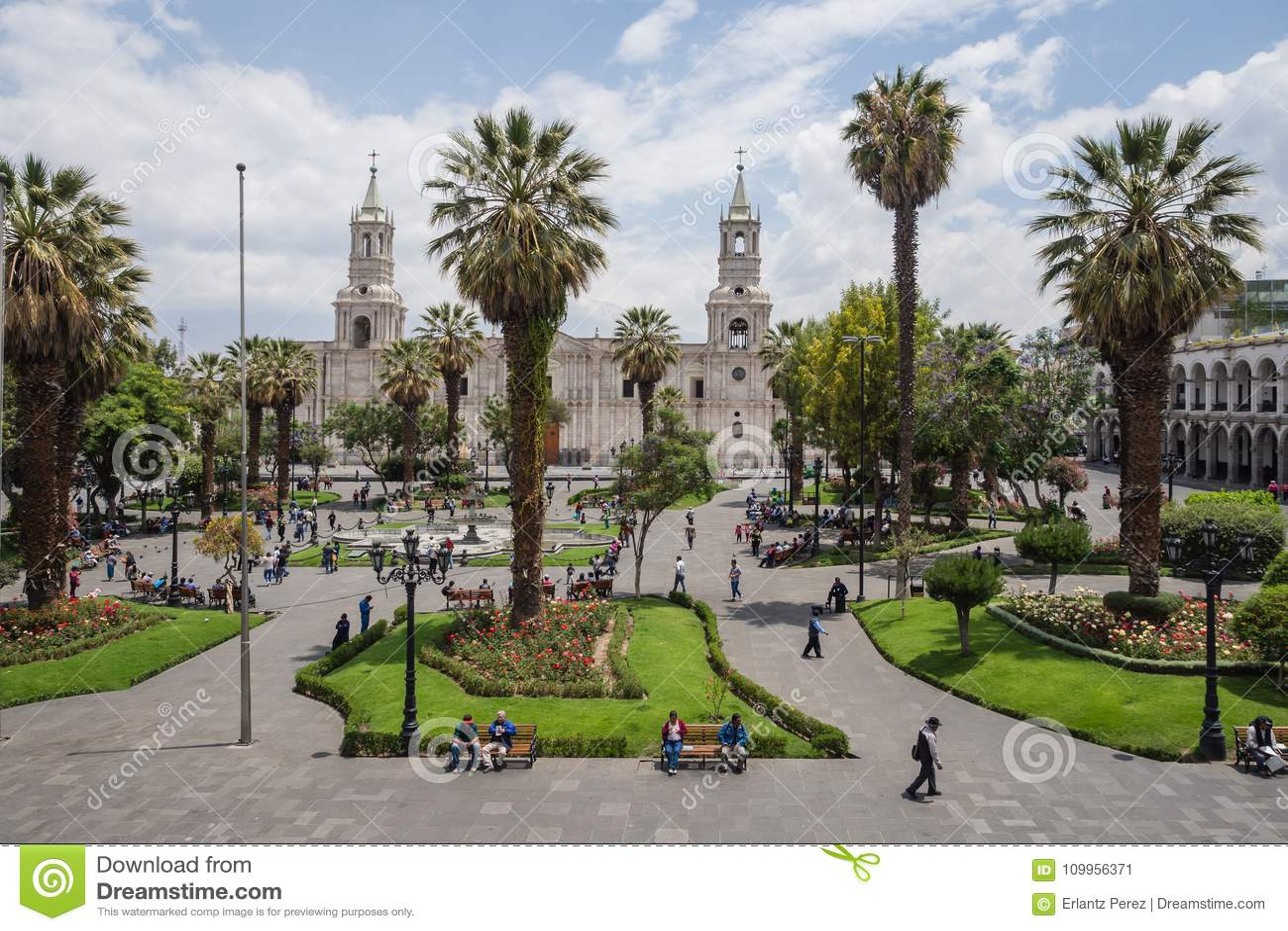 Главная площадь и собор города Arequipa