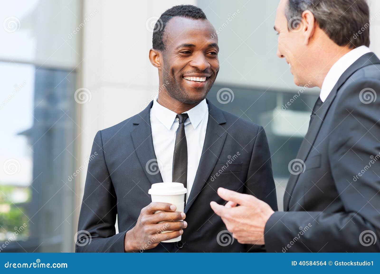 Говорить во время перерыва на чашку кофе