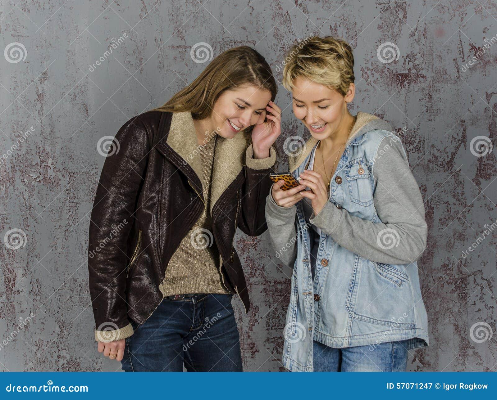 Русская женщина и молодой друг #4