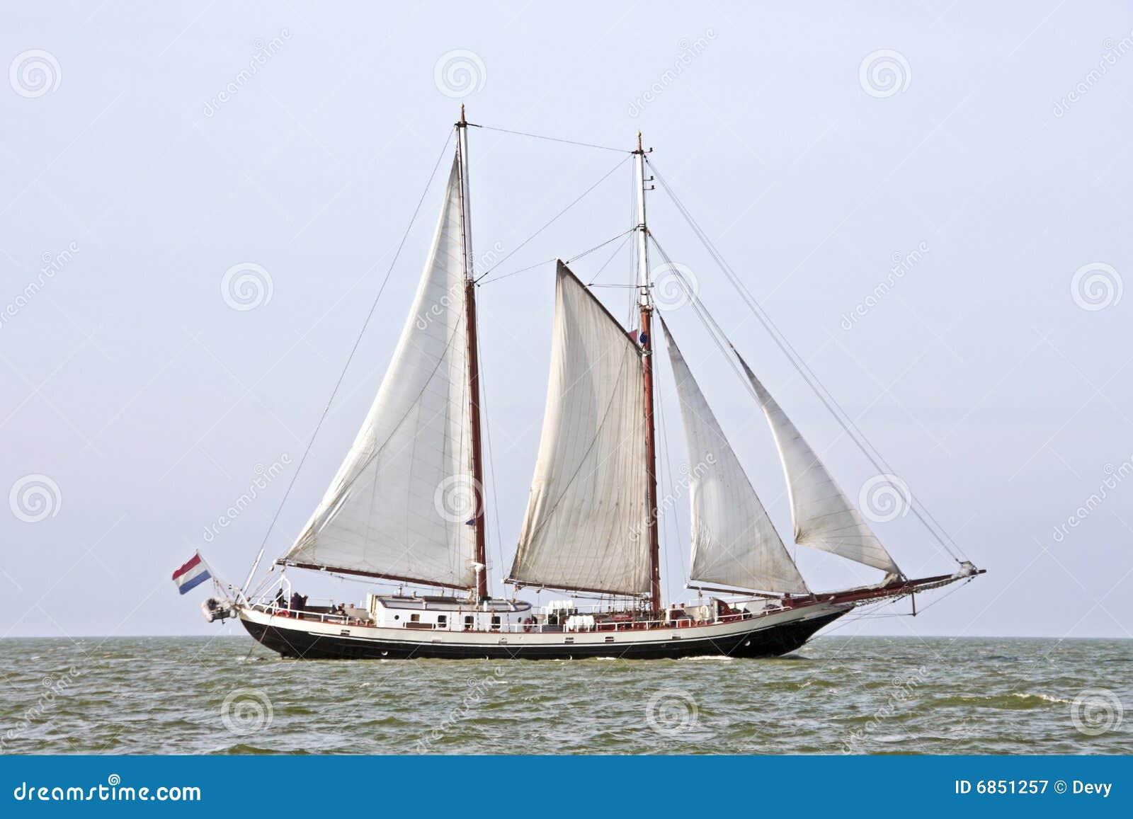 голландский нидерландский парусник традиционный