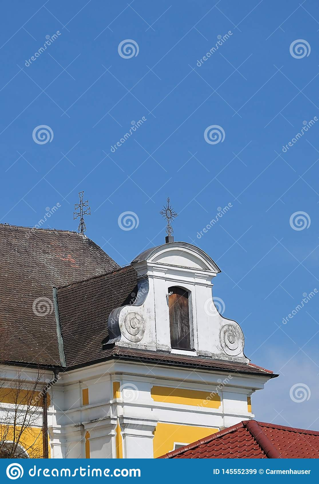Голландский щипец на барочной церков в южной Германии