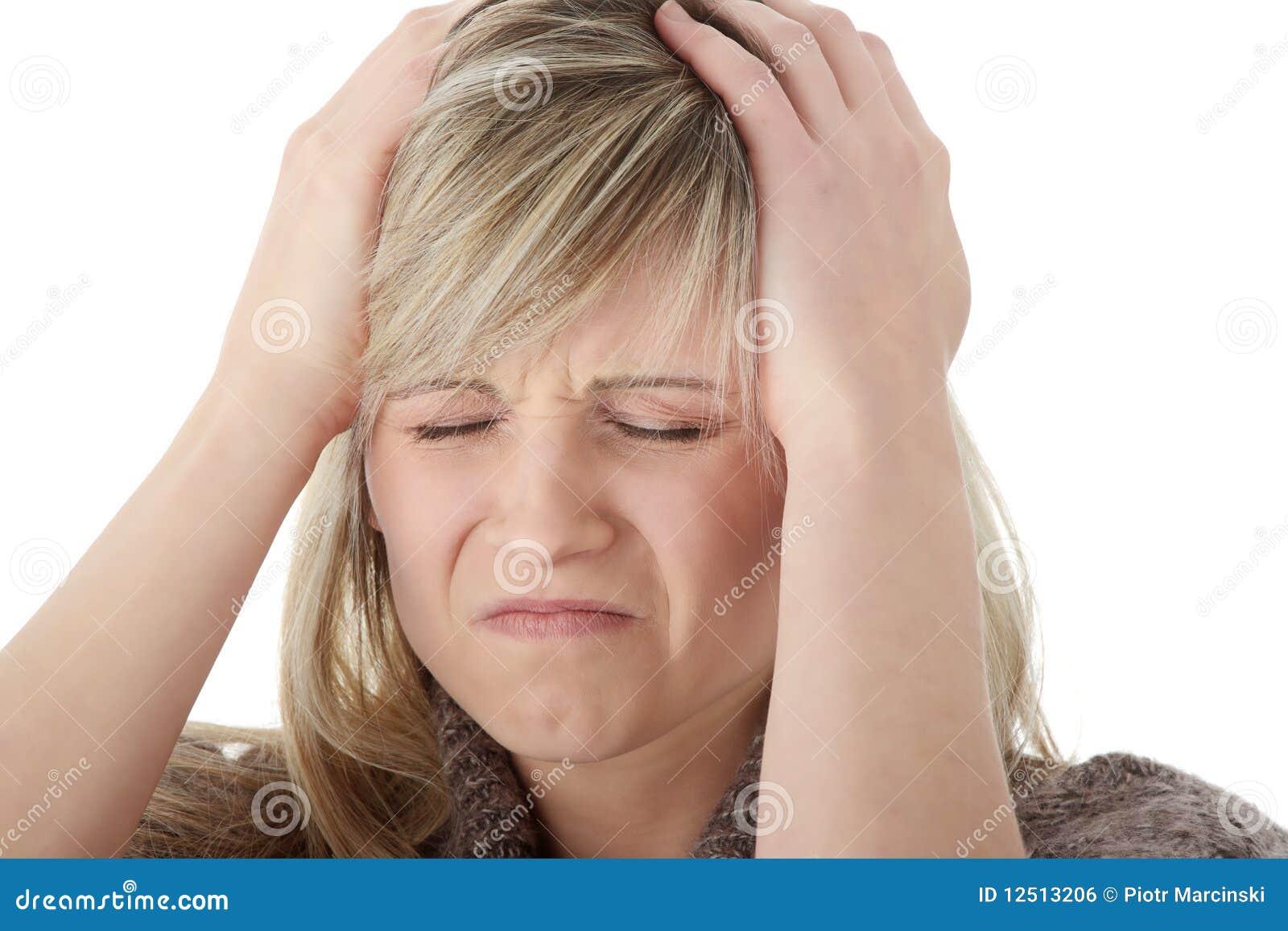 головная боль руки головная ее удерживание к женщине