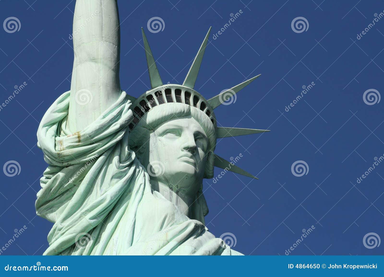 головная вольность взваливает на плечи статую