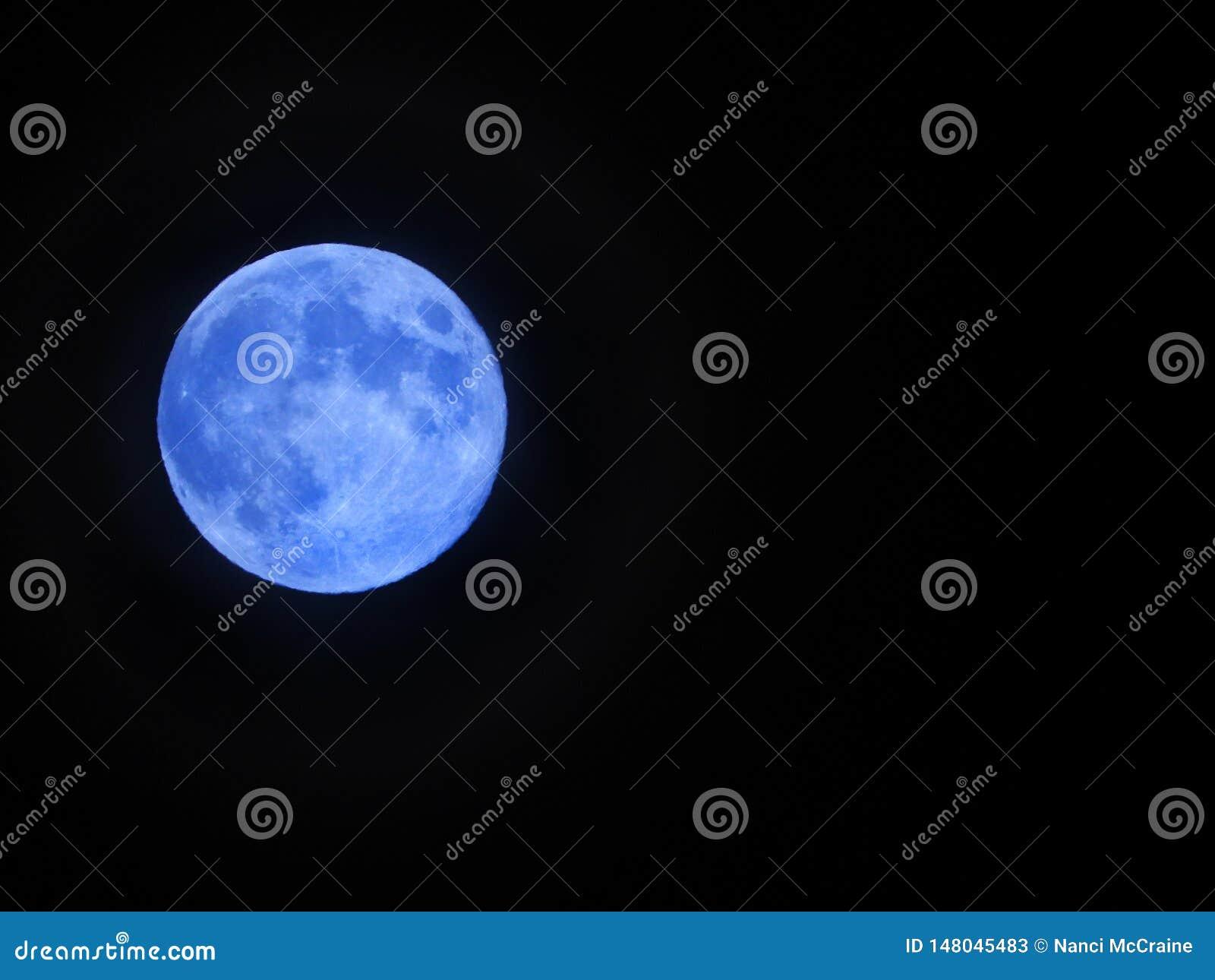 Голубая луна появляется май 2019