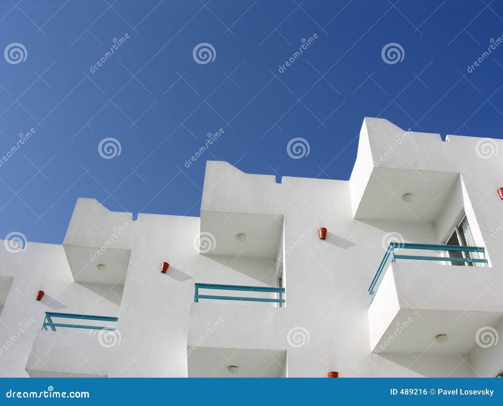 голубое небо гостиницы
