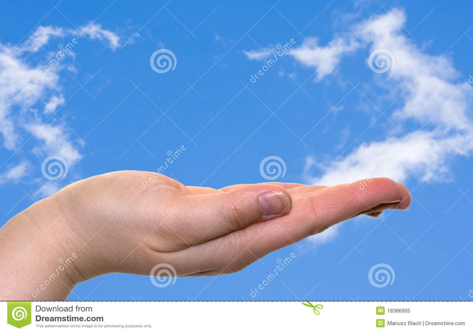 голубое небо руки