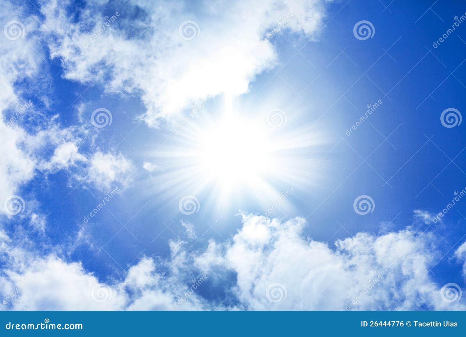 Голубое небо солнца