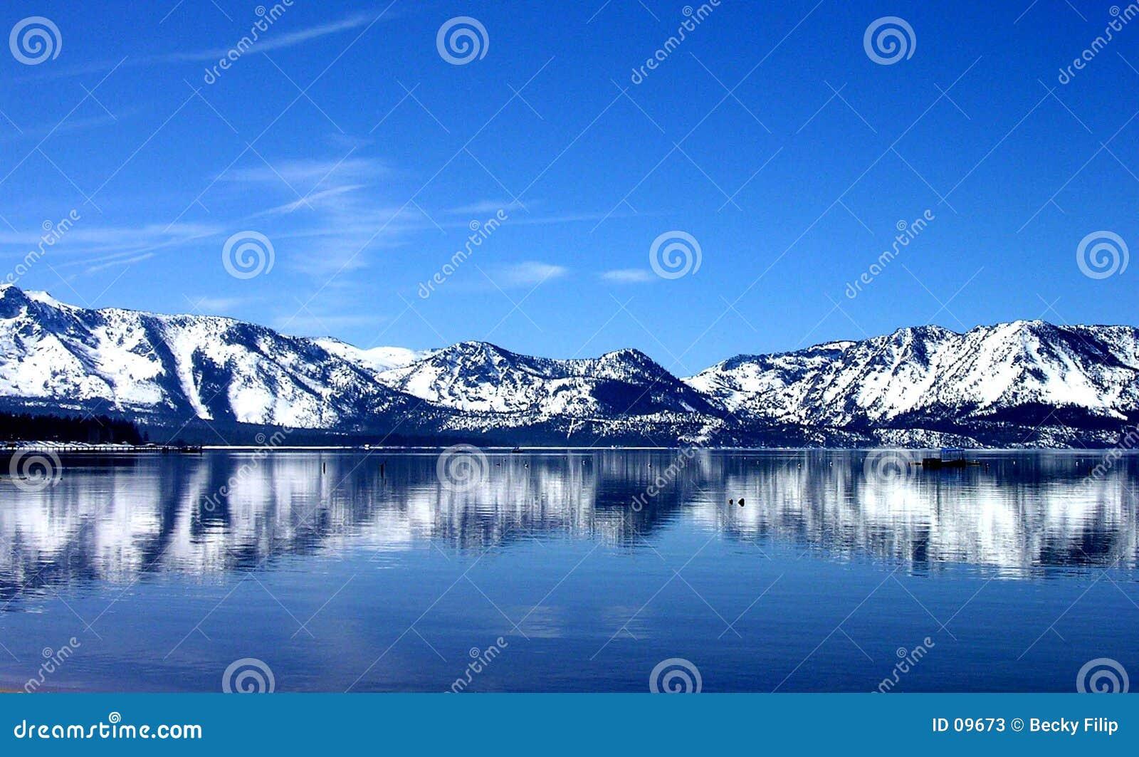 голубое отражение
