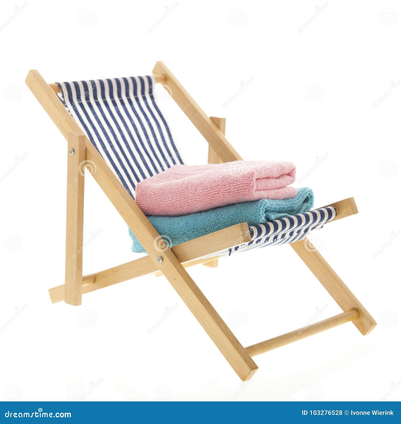 Голубой striped стул пляжа