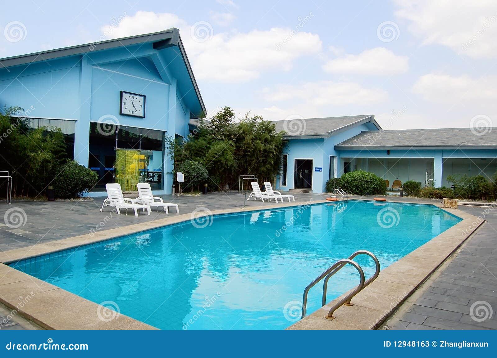 голубые бассеины плавая виллы