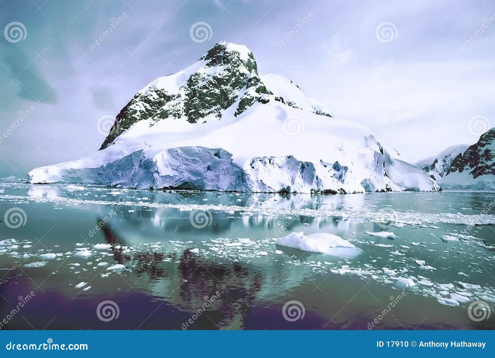гора льда