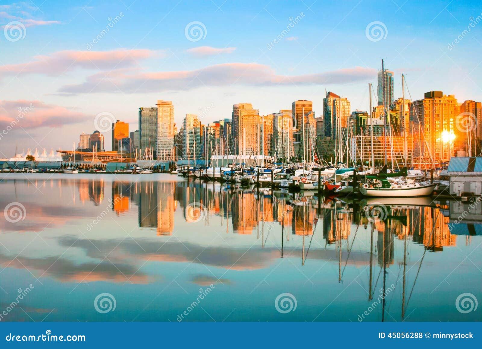 Горизонт Ванкувера на заходе солнца, ДО РОЖДЕСТВА ХРИСТОВА, Канада