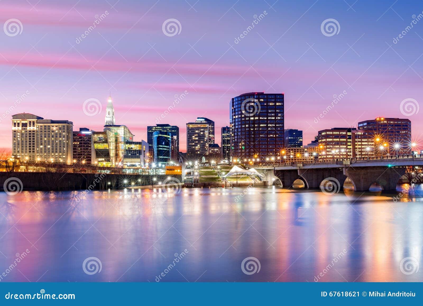 Горизонт Hartford и мост основателей