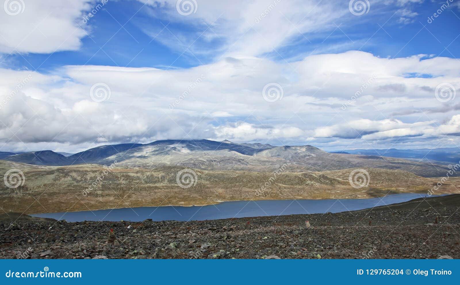 Гористый ландшафт в Норвегии jotunheimen национальный парк