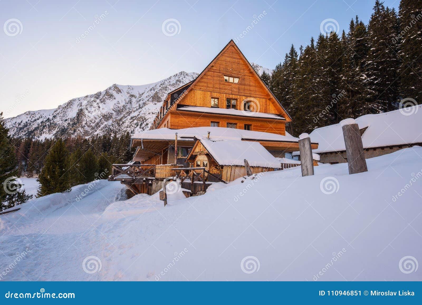 Отели в горах словакии видео обучение массажу бесплатно